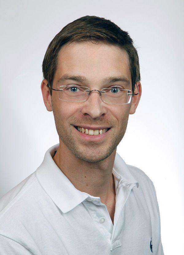 <b>Richard Henschel</b> - zahnarztpraxis-richard-henschel-arzt-henschel