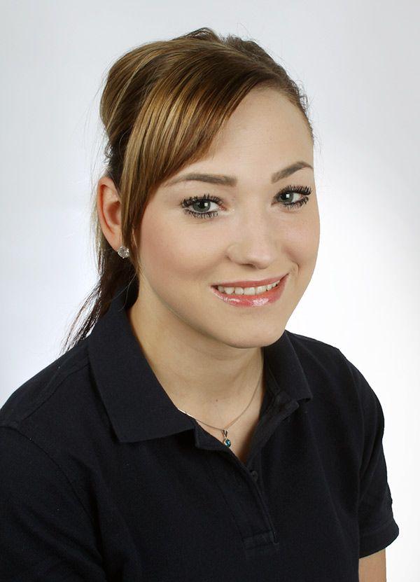 Irena Ostermüller - zahnarztpraxis-richard-henschel-team-03