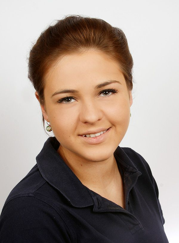 Anastasia Nemtschinov - zahnarztpraxis-richard-henschel-team-04